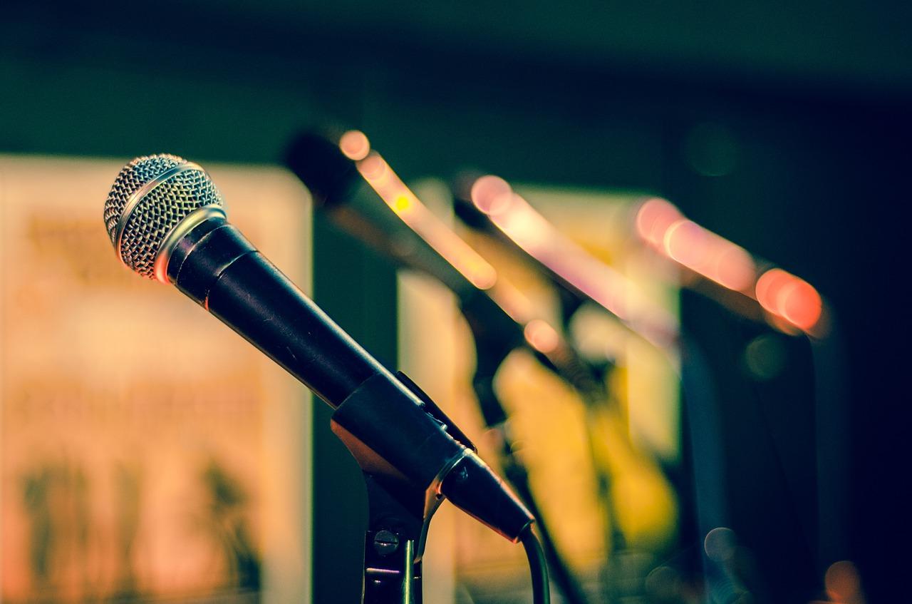 Mikrofon wykorzystywany na imprezach z prezenterem